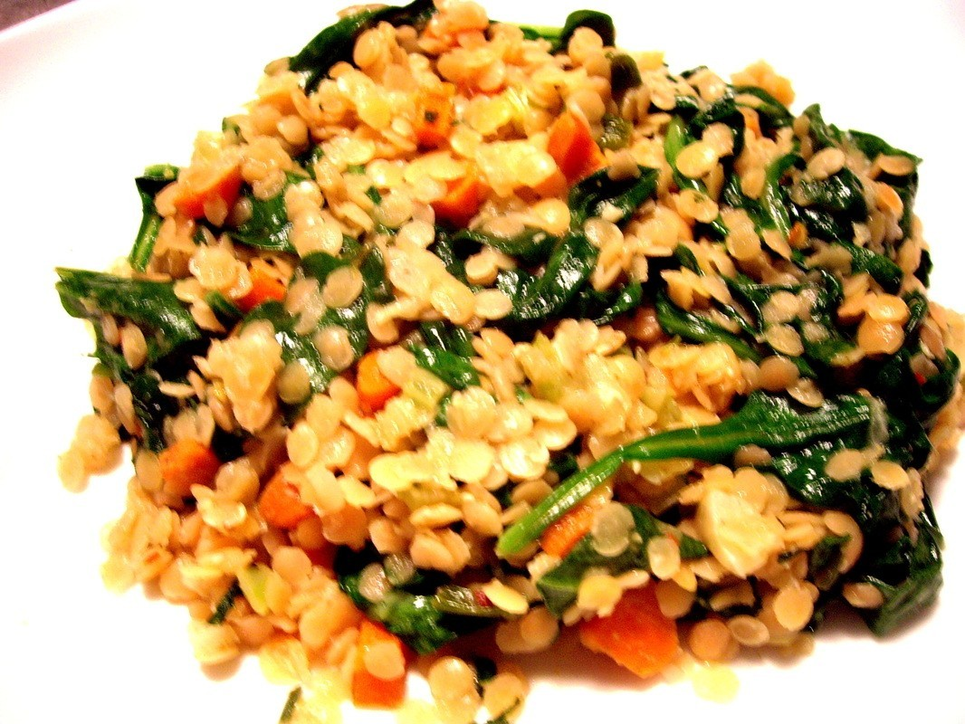 Red Lentils with Spinach and Roasted Garlic