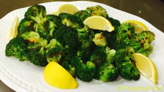 Roasted Brocoli with Lemon - © ProtectiveDiet.com