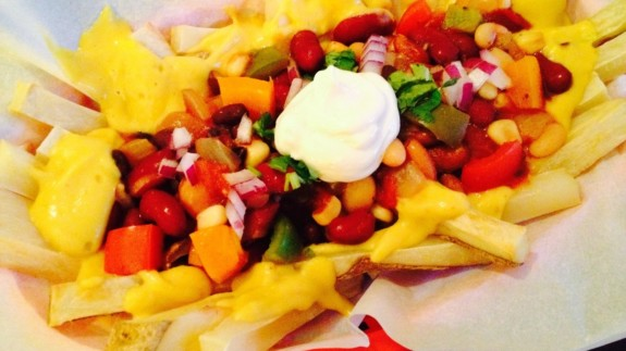Chili Cheeze Fries - © ProtectiveDiet.com