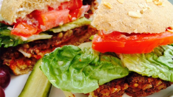 BBQ Burgers - © ProtectiveDiet.com