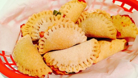 Mini Pizza Puffs basket - © ProtectiveDiet.com
