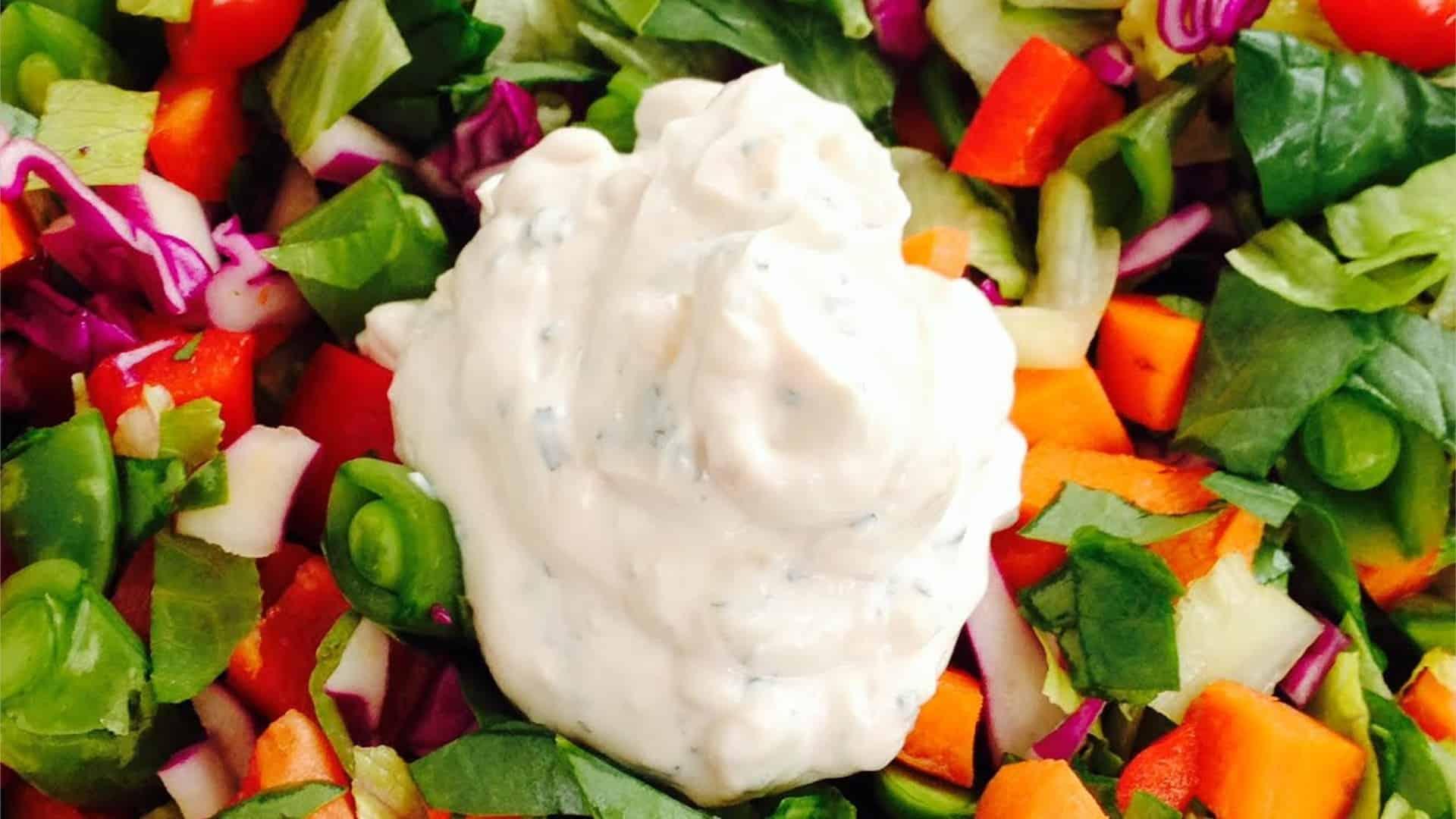 Creamy Garlic Dressing - © ProtectiveDiet.com