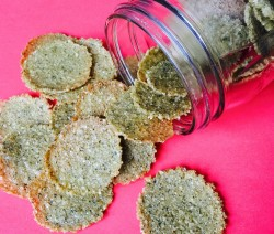 Seasoned Crispy Crackers - © ProtectiveDiet.com
