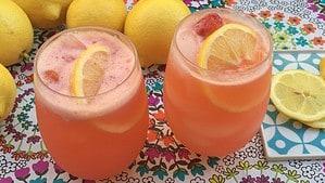 Strawberry Lemonade Refresher - © ProtectiveDiet.com